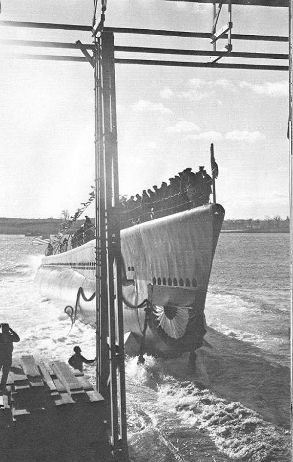 USS Bowfin launched